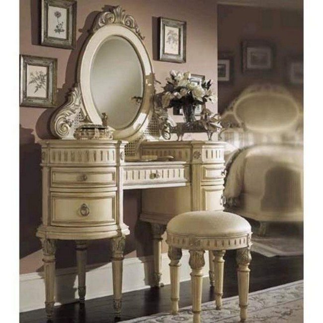 Antique-bedroom-set-vanity