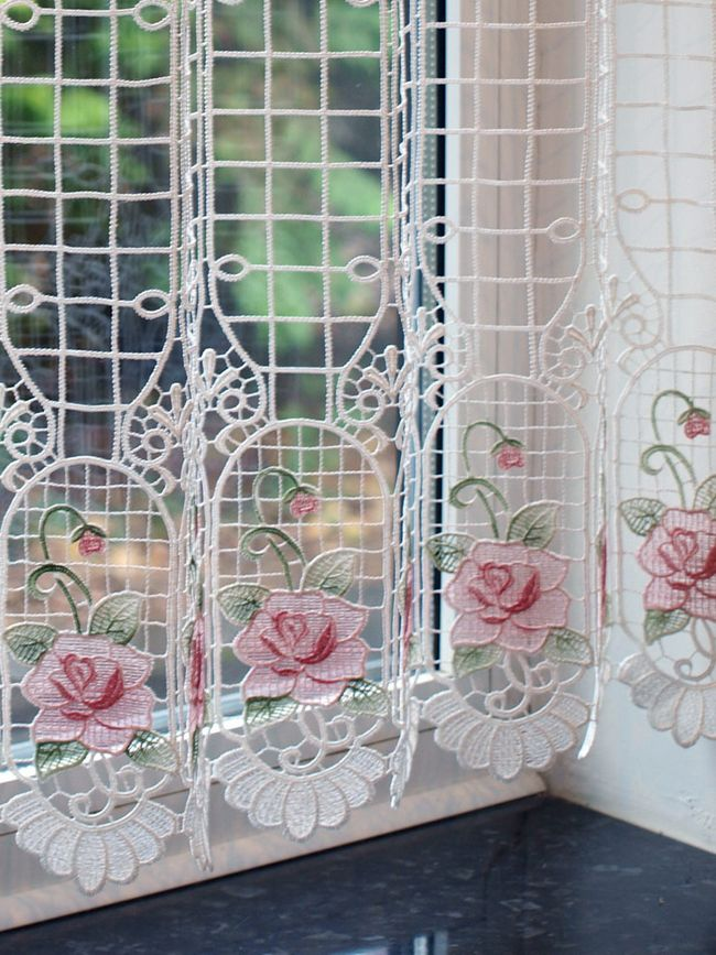 macrame Rose Red curtains