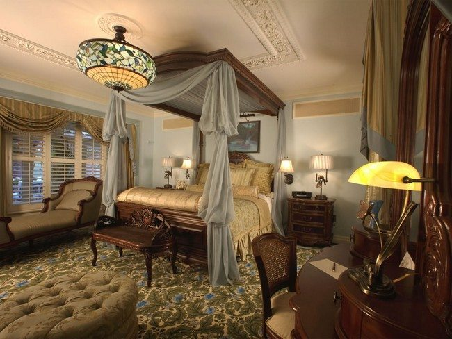 There are few victorian bedroom ideas for lovers of luxury for Modern vintage bedroom designs