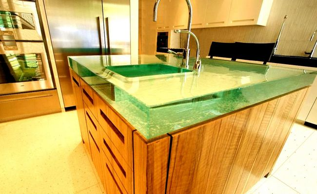 Glass countertops at the top of elegance decor around for Ultraglas kitchen countertops