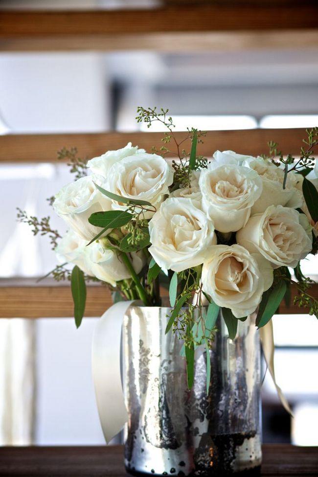 creamy-roses-flower-vase-mercury