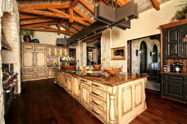 Kitchen island ideas decor around the world for Rustic kitchen island ideas