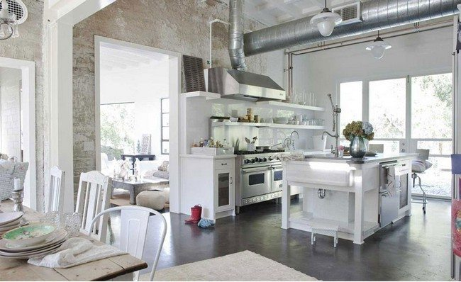 White-Shabby-Chic-Kitchen wooden effeсе metal tube with metal