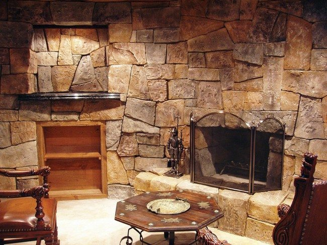 Rock fireplaces in the house decor around the world - Beautiful stone fireplaces that rock ...