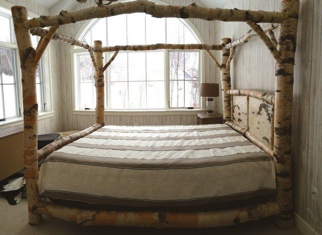 bedroom rustic log wood canopy bed using white brown striped pattern bed linen king size bed frame with soft thick matrasse