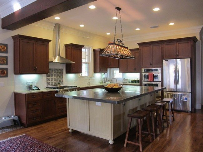 Modern Kitchen With 12 Light In The White Craftsman Ceiling