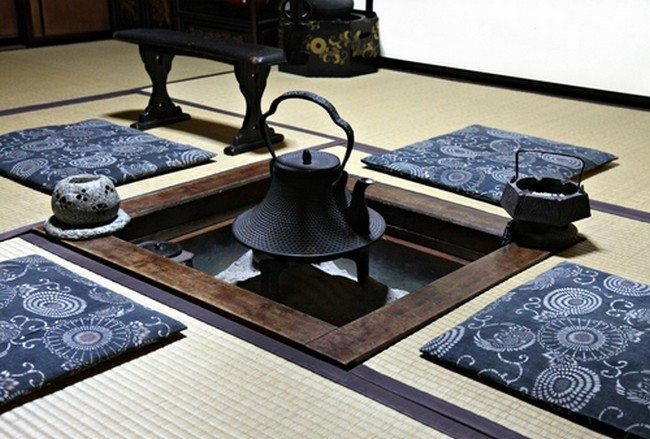 traditional tea ceremony with zabudo cushion set for four
