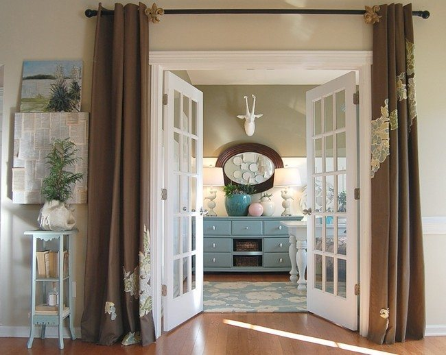 french doors from dining room to the kitchen