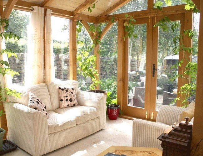 Simple relaxing room with clear view of the outside and beautiful indoor plants
