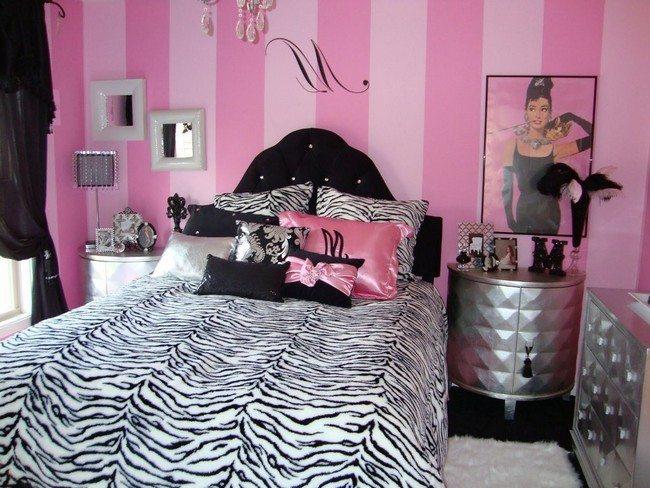 Zebra LInen in the Hollywood Regency Glamour Bedroom