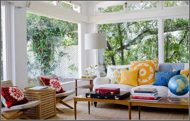 Tropical-inspired living room with bright accessories