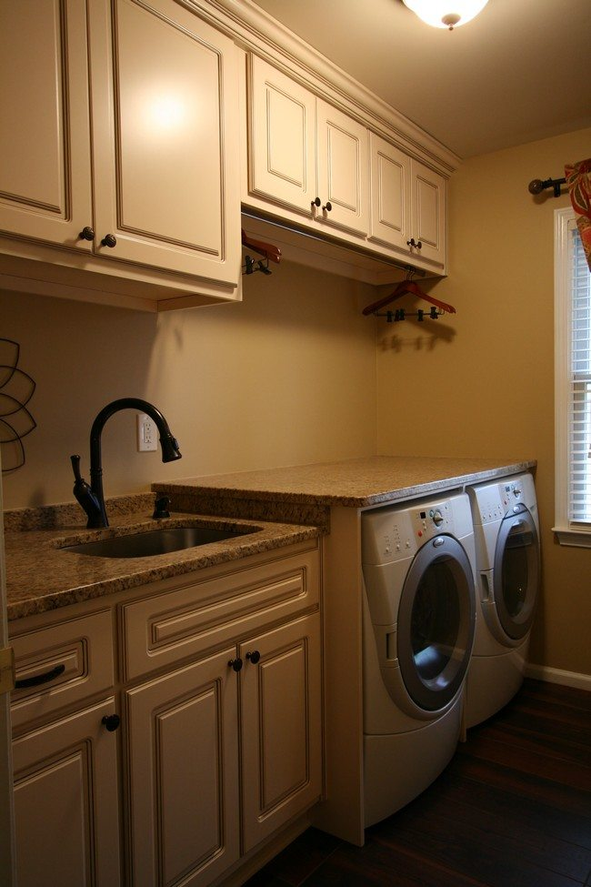 A simplistic washing area furnished with bright curtain