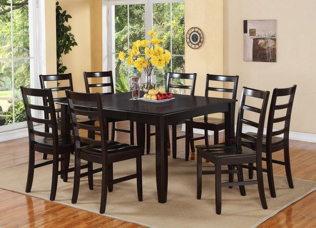 black table with black chairs