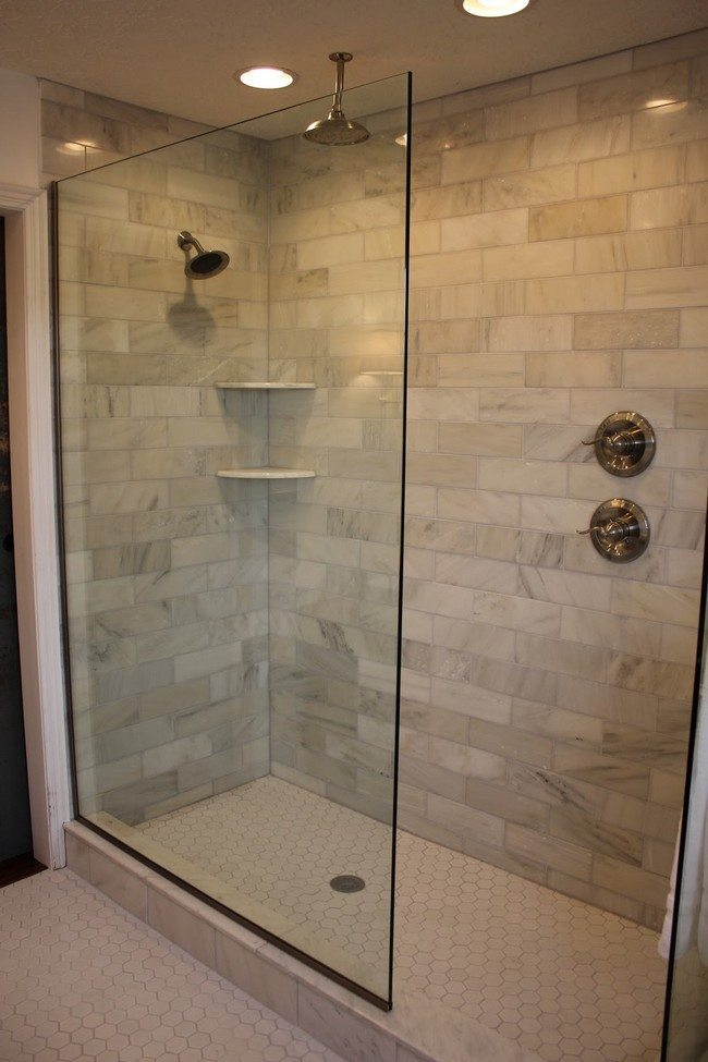 Design of the doorless walk in shower decor around the world for Bathroom glass door designs