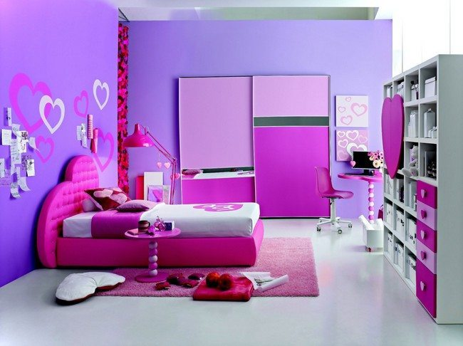 Personalized space fit for a young girl, with ample storage space