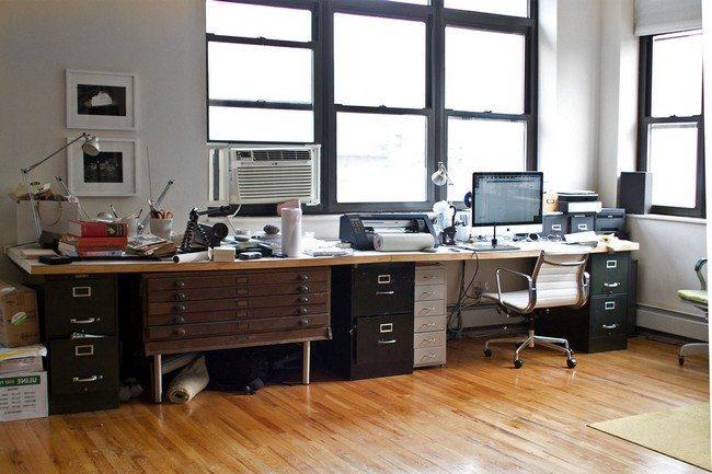 desc in the newspaper office