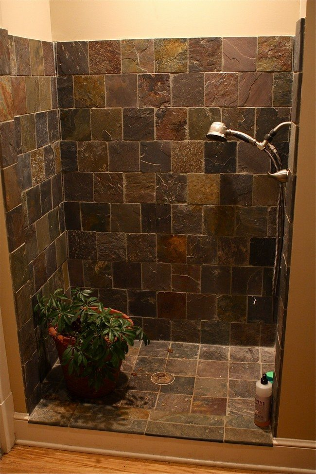Design of the doorless walk in shower decor around the world for Cabin shower tile ideas