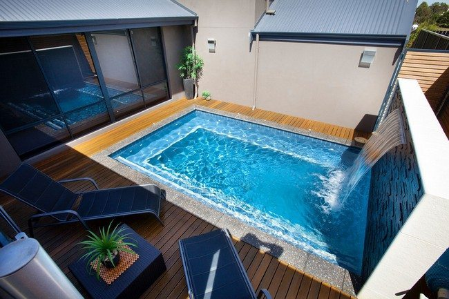 Amazing pool ideas perfect for small backyards decor for Swimming pool designs for small yards