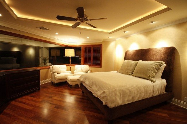 square plastic board with the fan in the bedroom