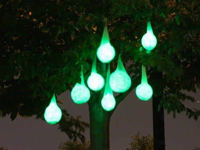 Green-colored lights for the outdoor
