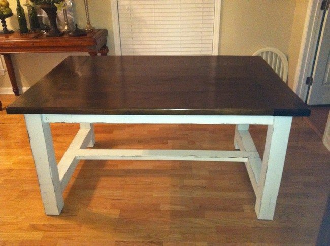 Table with white legs