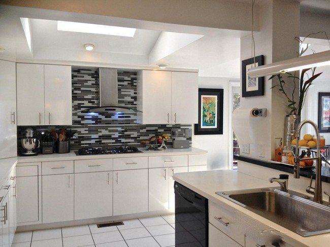 Ways to achieve the perfect black and white kitchen for Gina s italian kitchen