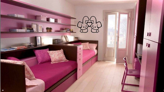 Pink-themed room