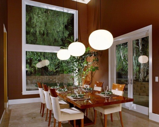 Low-hanging lighting fixtures