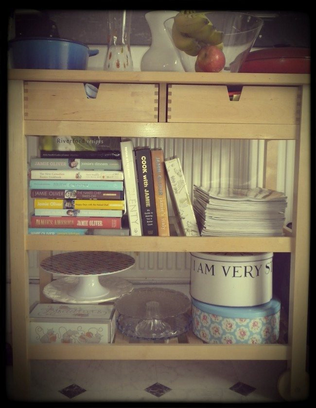 Countertop Cookbook Shelf A Simple Yet Elegant Way To
