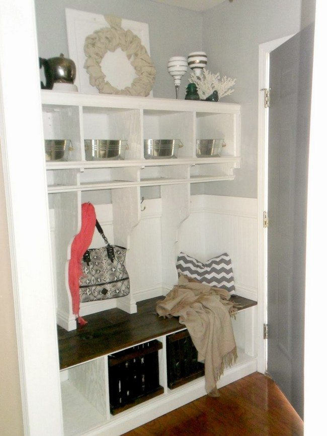 Ornamental and silverware displays