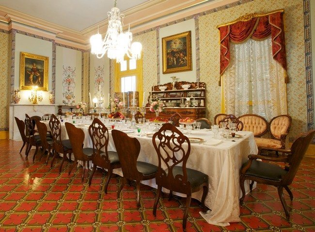 Antique Dining Room Decorating Ideas