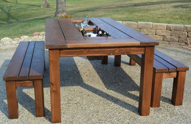 Easy-DIY-Outdoor-Furniture
