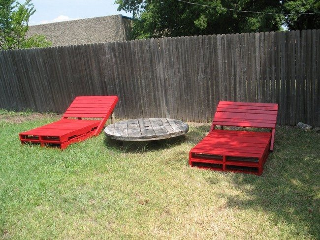 Red pallet patio furniture