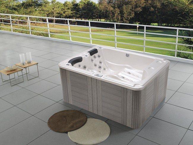 jacuzzi an a bath