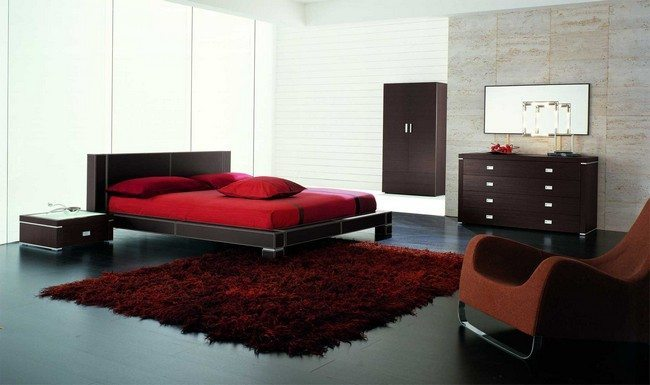 Simple red bedding