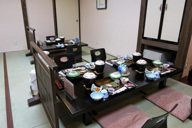 Transform The Way You Dine Using Japanese Style Dining Table