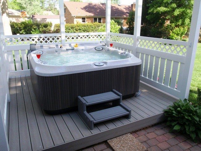 jacuzzi  on the pedestal