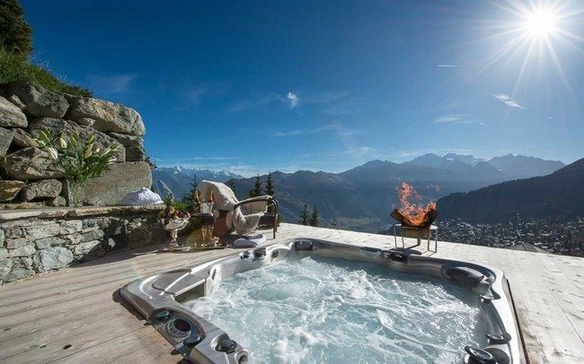 jacuzzi under the sky