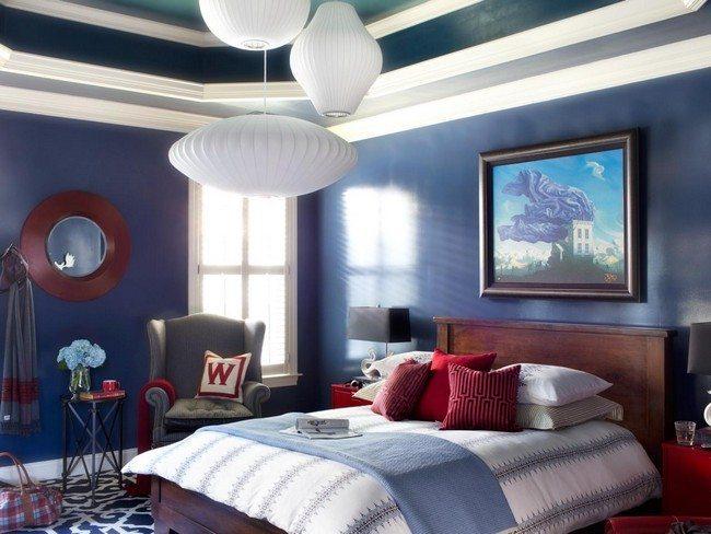 double bedroom with blanket