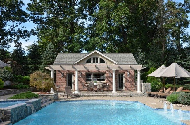 Small house with pool extravagance let your small house for Best pool designs 2016