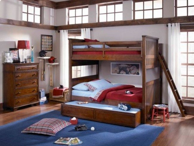 Bunk bed with trundle feature saves up on space