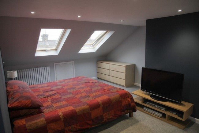 Attic bedroom design and d cor tips decor around the world for Accent meuble la tuque