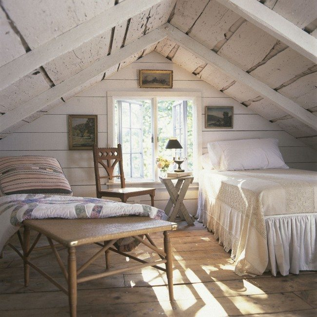 Attic bedroom design and d cor tips decor around the world for Attic decoration