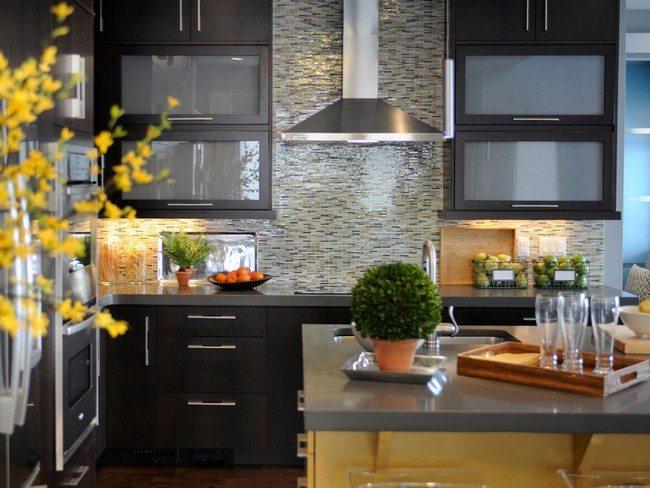 Shimmery tile backsplash