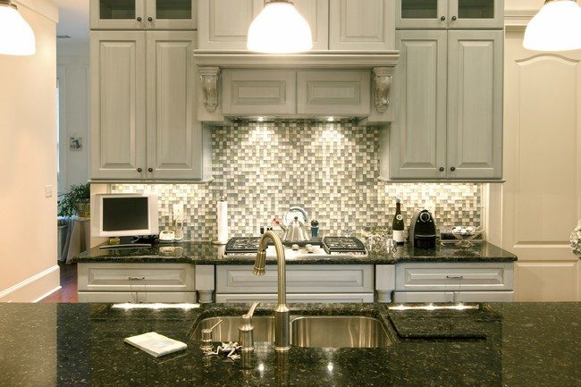 Unique kitchen backsplash ideas you need to know about for Cheap modern kitchen designs