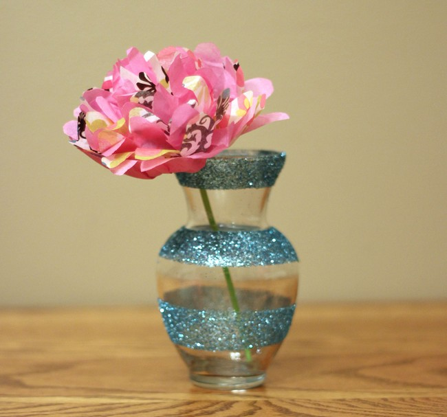 Glass vase with glittery ribbon