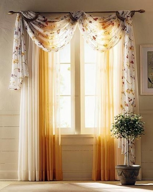 Sheer curtains with flowery patterns