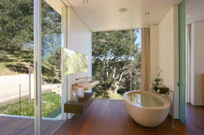 Minimalist contemporary outdoor bathroom design