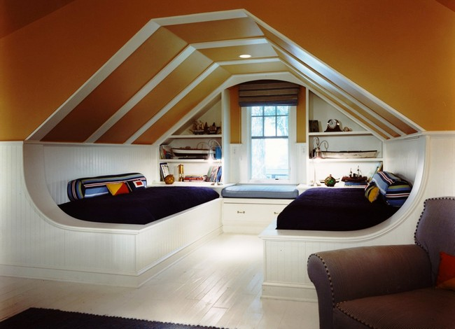 Double slanted ceiling in a contemporary living room, perfect for a kid's bedroom