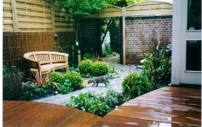 Tips to keep in mind before revamp your home s terrace for Small courtyard landscaping ideas